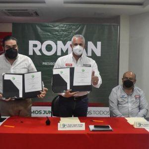 FIRMAN CONVENIO EL CANDIDATO DEL PRI ROMÁN ALBERTO CEPEDA Y EMPRESARIOS DE LA LAGUNA1