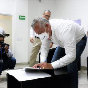 ROMÁN ALBERTO CEPEDA FIRMA COMPROMISOS CON CANACINTRA TORREÓN1