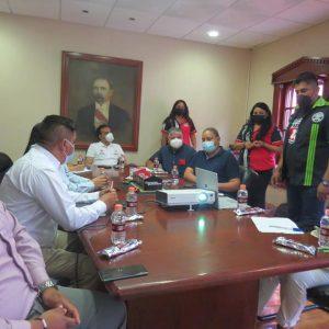 Alcalde de Parras se reunió con organizadores de evento Mustang Tour1