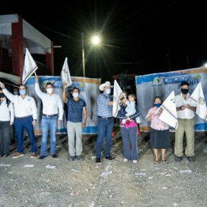 Alfredo Paredes sigue cumpliendo con las peticiones de los Monclovenses