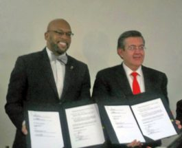 Firma UA de C convenio con la West Virginia State University