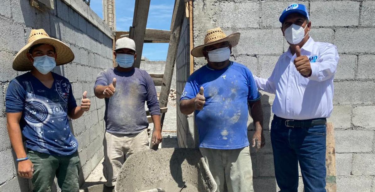 Mario Dávila felicitó a trabajadores de la construcción por el día de la Santa Cruz