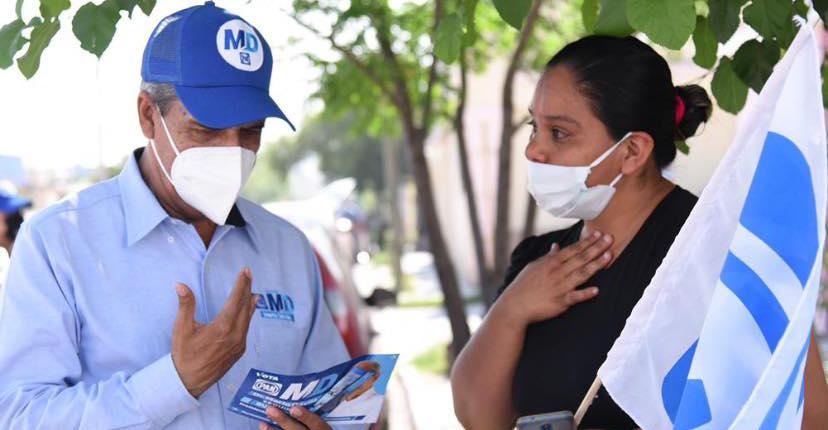 Mario Dávila sigue recorriendo las colonias de Monclova