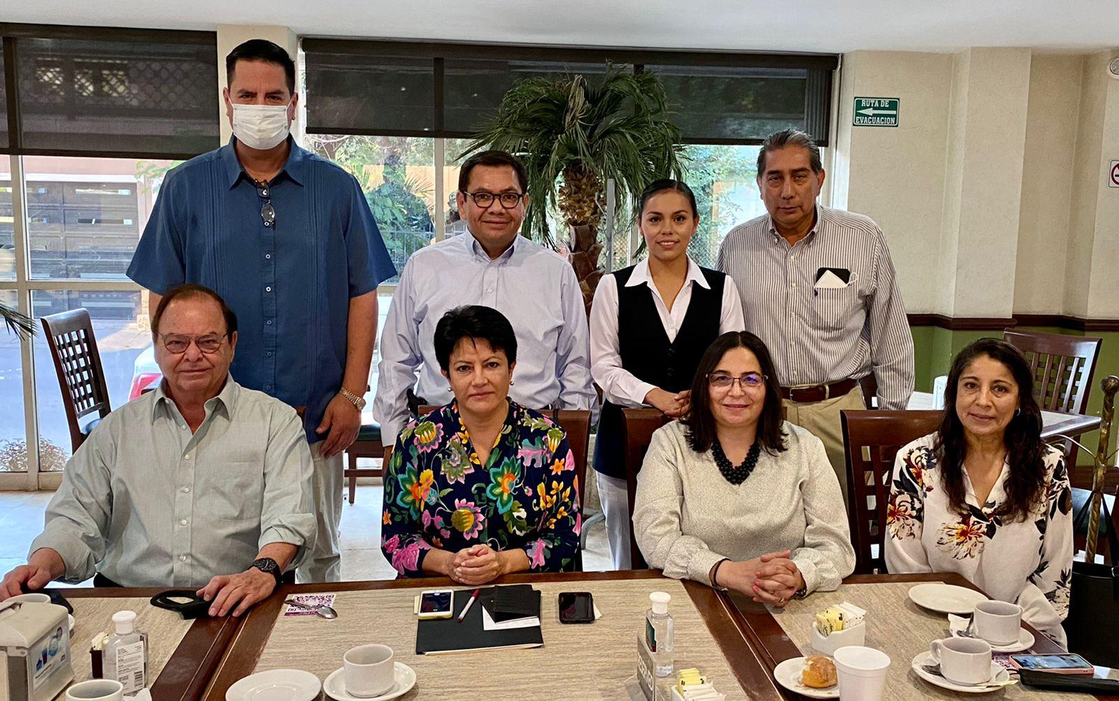 GESTIONAN APLICACIÓN DE VACUNAS ANTICOVID A COAHUILENSES EN PUENTES INTERNACIONALES