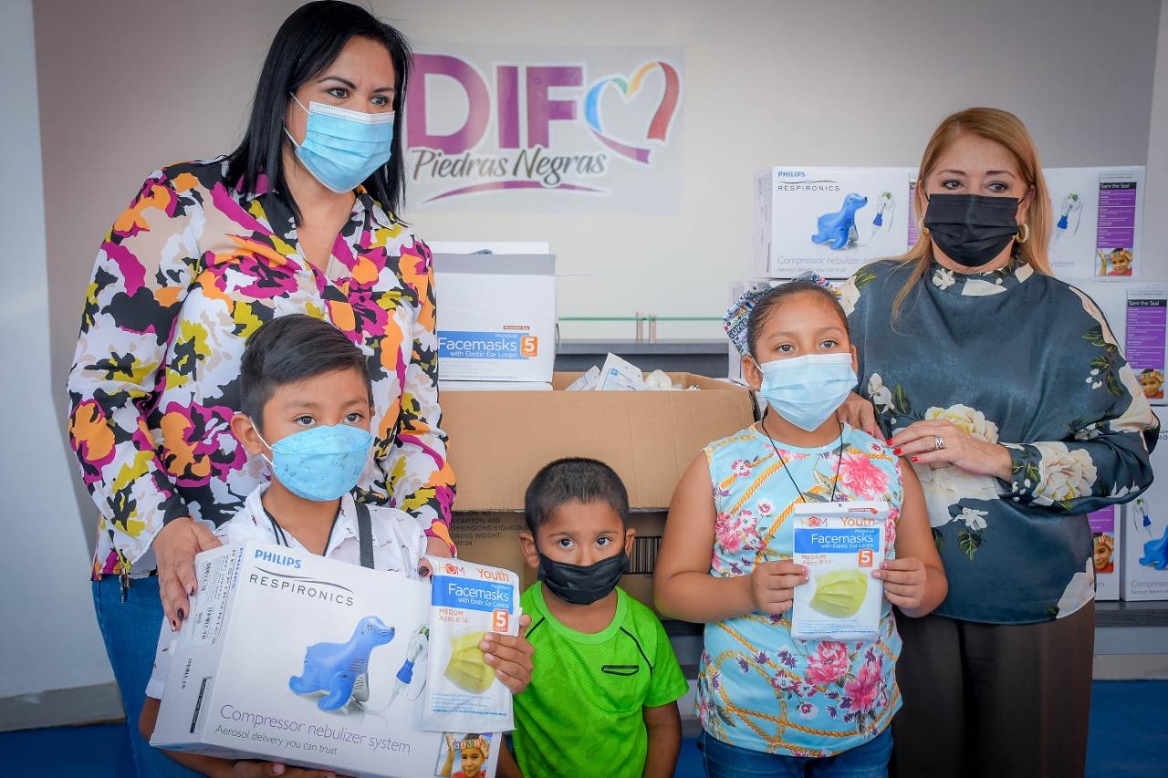 Recibe DIF donación de nebulizadores pediátricos e insumos médicos